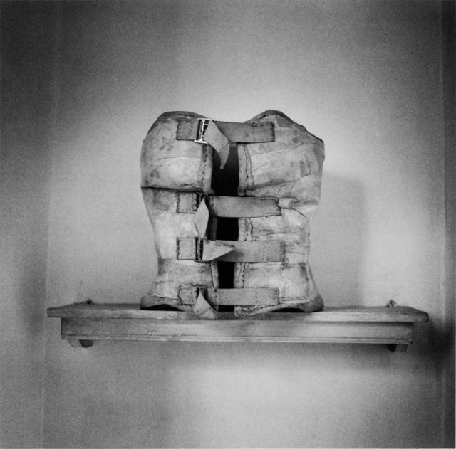 , 'El baño de Frida (corset en el estante), Coyoacán, México,' 2006, Ruiz-Healy Art