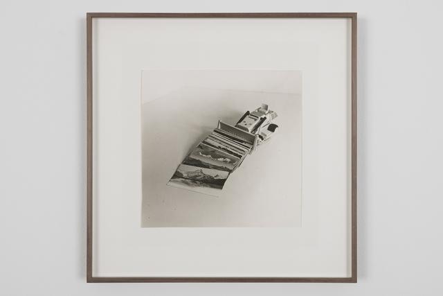 , 'Excavadora recollint postals,' 1984, NoguerasBlanchard