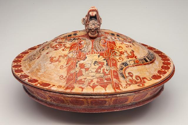 'Écuelle de Becán (Bowl of Becán)', 250-600 CE, Musée du quai Branly