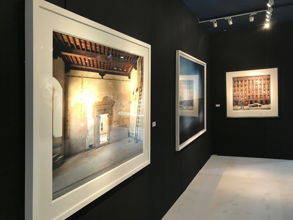 """Massimo Listri, """"Palazzo Bardini II, Firenze"""" André Lichtenberg, """"Madeira Drive (Impossible Utopia)"""" Ormond Gigli, """"Girls in the Windows"""""""