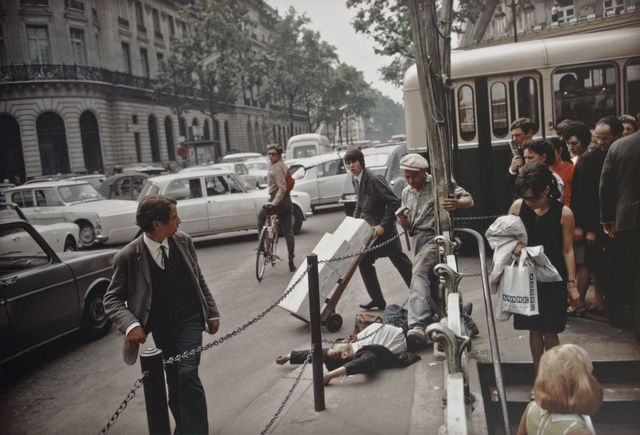 Joel Meyerowitz, 'Paris, France', 1967, Photography, Archival pigment print; printed later, Howard Greenberg Gallery