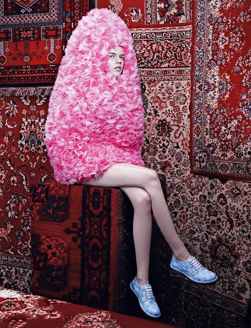 , 'Egg on Legs,' 2011, Werkhallen // Obermann // Burkhard