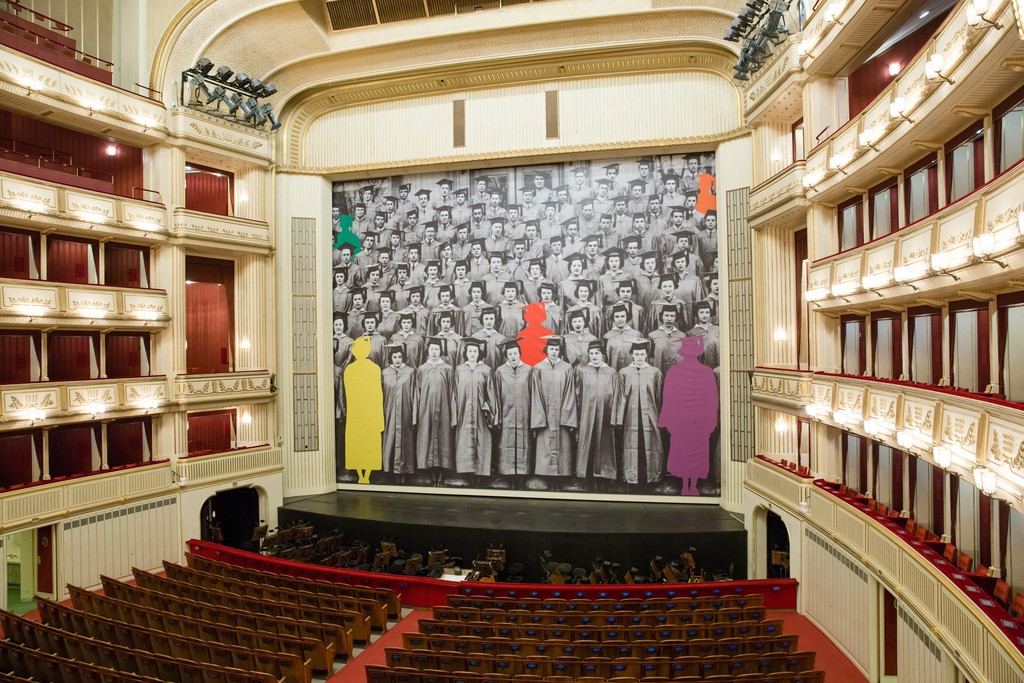 John Baldessari, Graduation, Safety Curtain 2017/2018, Vienna State Opera, museum in progress. Photo: Andreas Scheiblecker, Copyright: John Baldessari and museum in progress (www.mip.at)