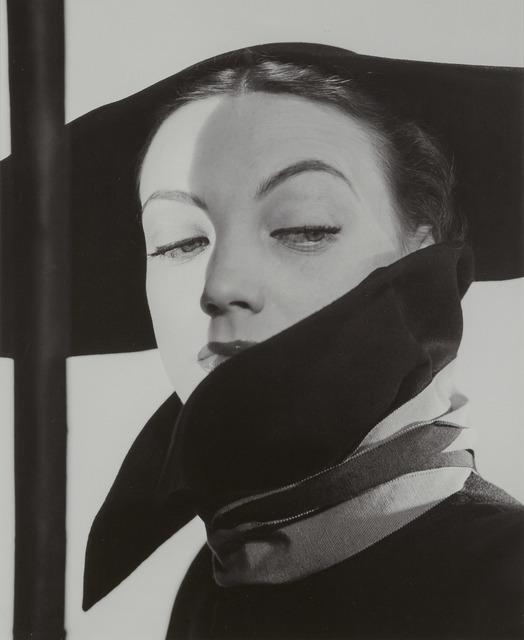 Erwin Blumenfeld, '[Hat Fashion, Dior, New York]', 1946, Doyle