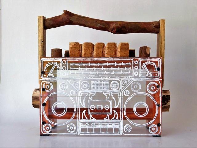 , 'Radiograbadora de madera con agarradera irregular ,' 2018, NM CONTEMPORÁNEO