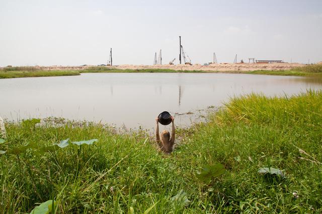Khvay Samnang, 'Untitled', 2011, Tomio Koyama Gallery