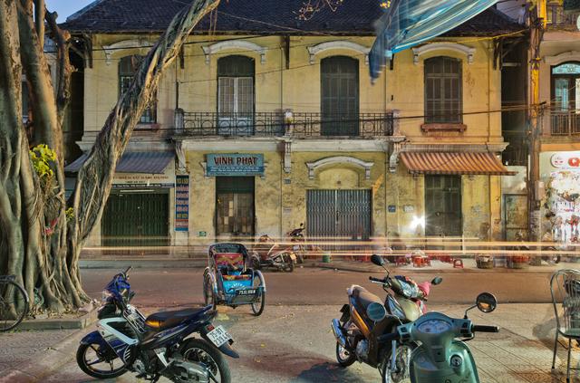 , 'Hue 18h6h 07 - Phan Dang Luu Street 02,' 2014, Art Vietnam Gallery