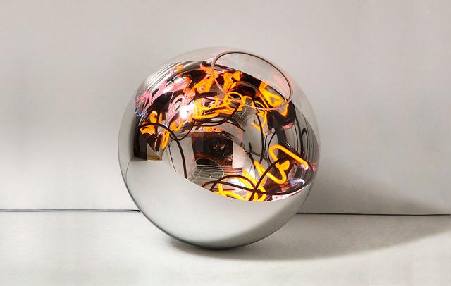 , 'Neon Ball Light,' 2018, Mercado Moderno