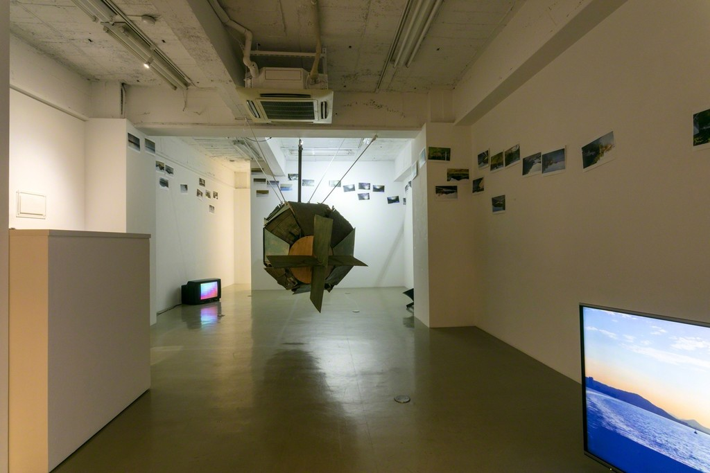 《Recollection: Human Torpedo》 2015 (2017)  installation  (Yoshimi Arts/Osaka),  (c) Haruko Sasakawa, photo by Kiyotoshi Takashima