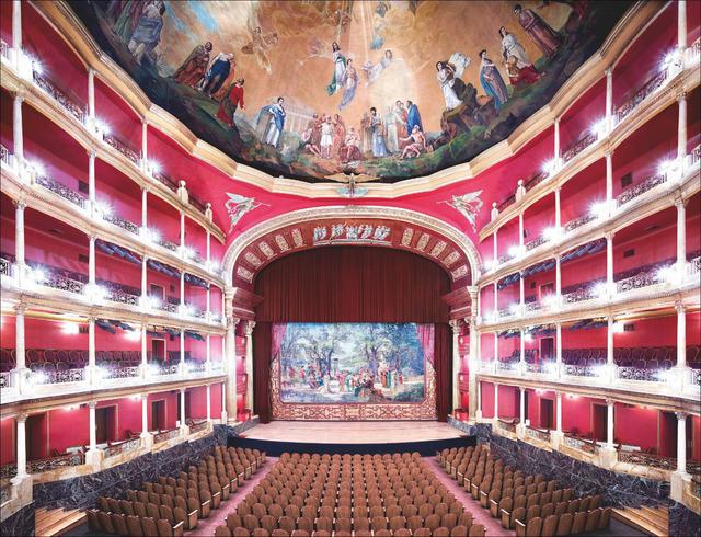 Candida Höfer, 'Teatro Degollado Guadalajara III ', 2015, Galería OMR