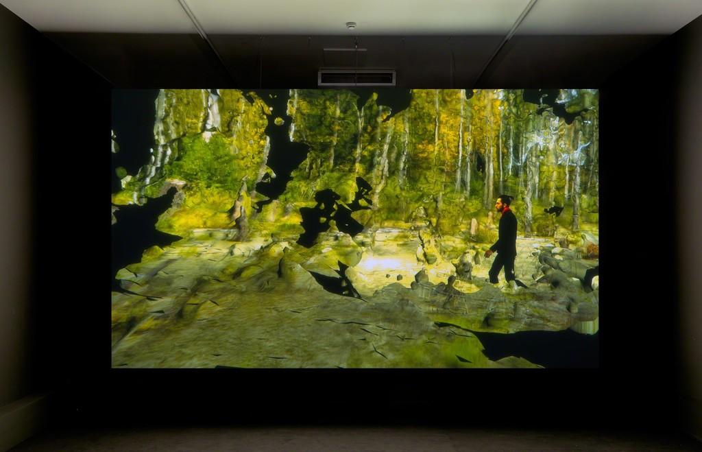 Installationshot Broersen & Lukács of 'Forest on Location' @ Art Rotterdam Projections, photo Gert J. v. Rooij