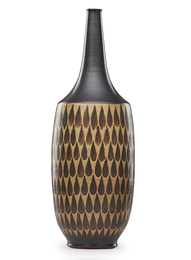 Tall vase with teardrop pattern, Claremont, CA