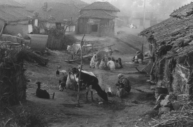 Edouard Boubat, 'Village, Inde', 1966, Argentic