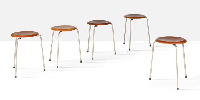 Arne Jacobsen, 'Dot stools, set of 5', 1967, Design/Decorative Art, Teak, plastic, chrome-plated steel, Aguttes