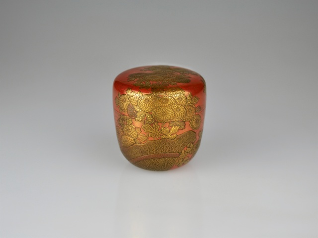 , 'Gold Lacquer Tea Caddy with Chrysanthemum,' Taishō period (1912-1926), Galerie Kommoss