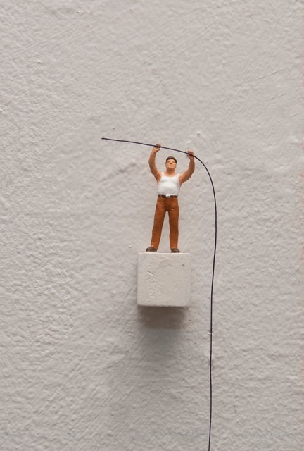 , 'To hold the string (with white tshirt),' , Josée Bienvenu
