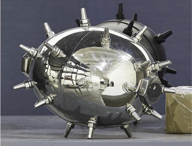 , 'Bomba biótica III,' 2016, Espacio Mínimo