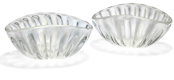 Two clear glass bowls. Decorated with iridescent surface.
