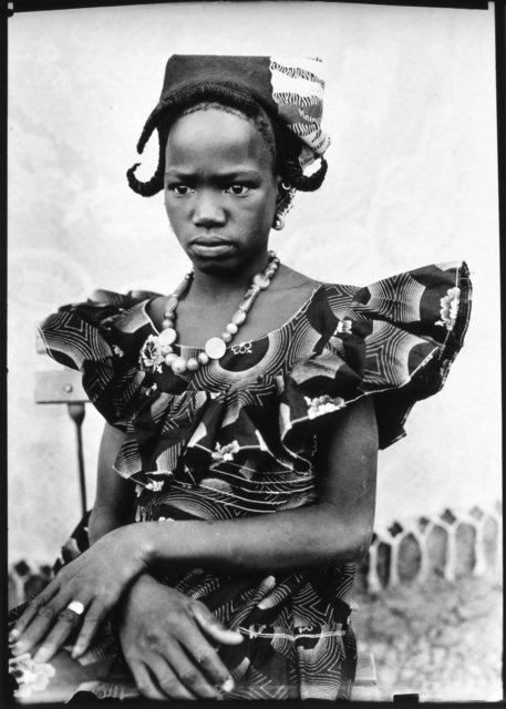 , 'Sans titre (Femme avec cornes de gazelle sur la tête et mains croisées avec une bague),' , galerie du jour agnès b.