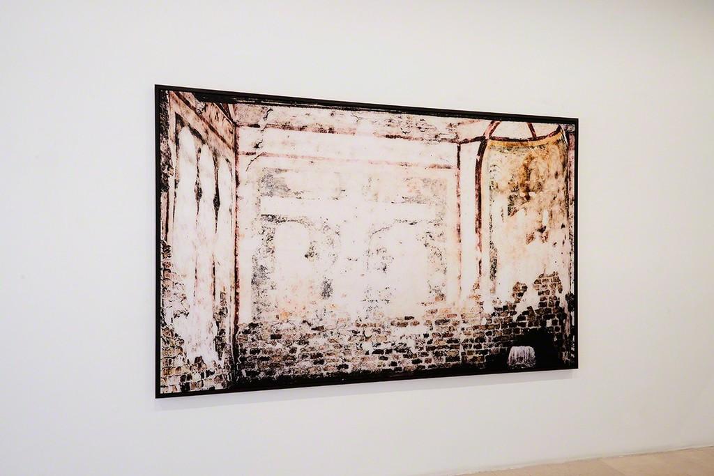 Exhibition View, Sacred Spaces Ola Kolehmainen, galeria SENDA 2018, Finland ©️ Ola Kolehmainen