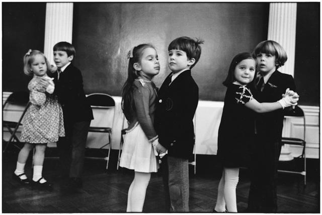 , '11. New York City. (Kids dancing),' 1977, f22 foto space