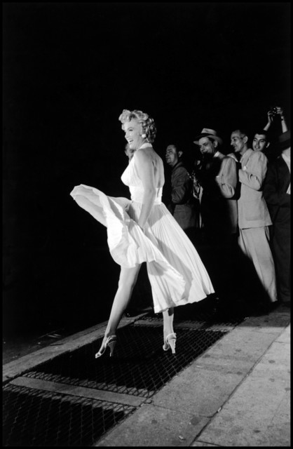 "Elliott Erwitt, 'Marilyn Monroe on the set of ""The Seven Year Itch""', 1954, Galeria de Babel"