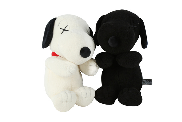 KAWS, 'Snoopy (Off White & Black)', 2018, Chiswick Auctions