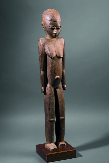 , 'Ancêtre thílkõtína - statuette féminine (Thilkotina ancestor - female statuette) ,' c. 1930, Musée du quai Branly