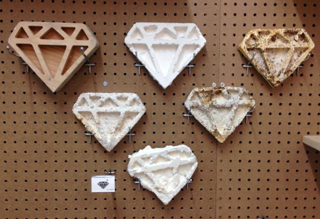 , 'Six Diamonds (HS 710239),' 2016, bitforms gallery