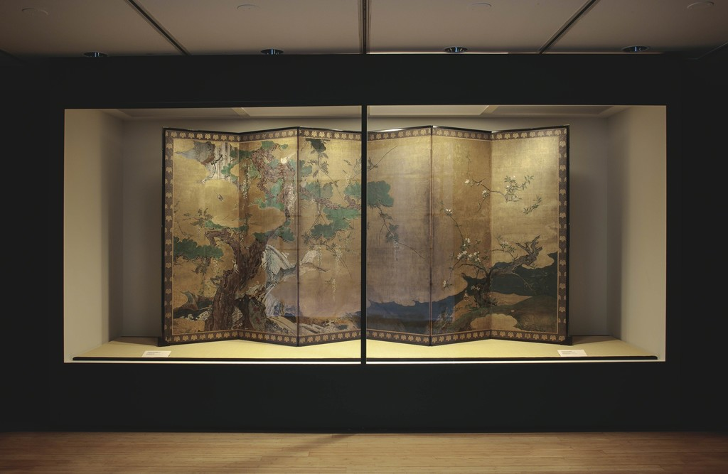Installation view of Hasegawa Tōhaku (Nobuharu), Flowers and Birds of Spring and Summer, ca. 1582. Six-panel folding screen; ink, color, and gold on paper. Private collection, New York. © Richard Goodbody