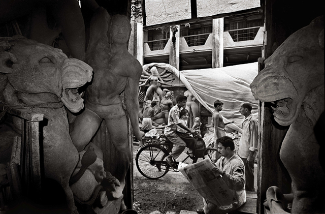 , 'Preparing for Durga Pooja, Kolkata,' 1999, Aicon Gallery