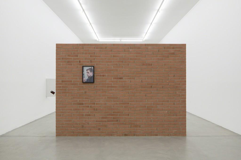 SIMON DYBBROE MØLLER Buongiorno Signor Courbet, 2015 Installation view at Francesca Minini, Milano