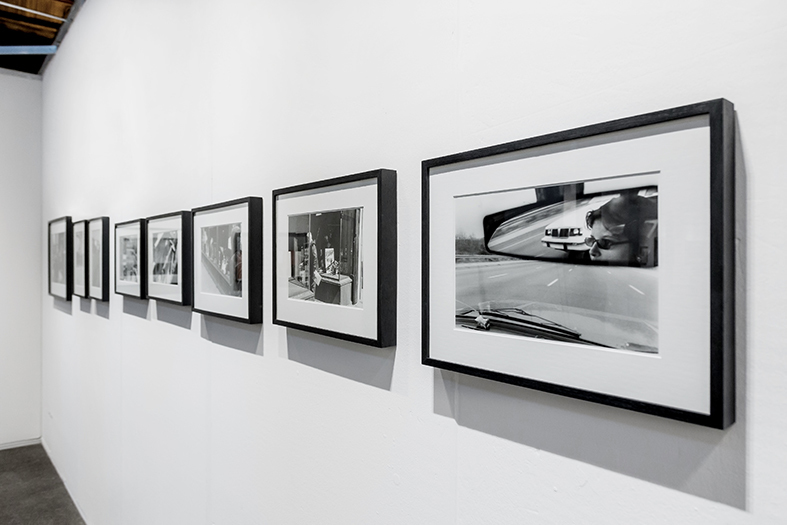 Booth View. Alberto Goldenstein with photographs of the series Boston 1982-1983.