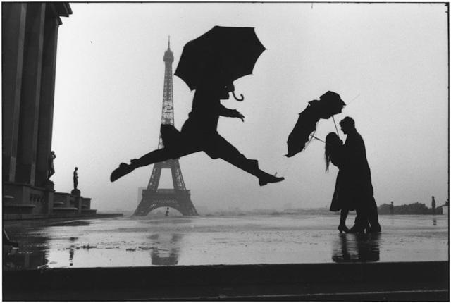 , '13. FRANCE. Paris. (Umbrella jump),' 1989, f22 foto space