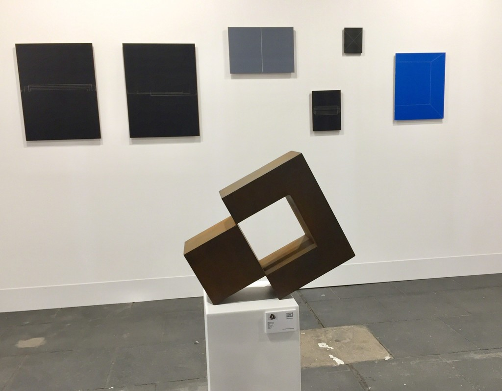 Stephan Siebers - Isolated Cube and paintings of Shawn Stipling