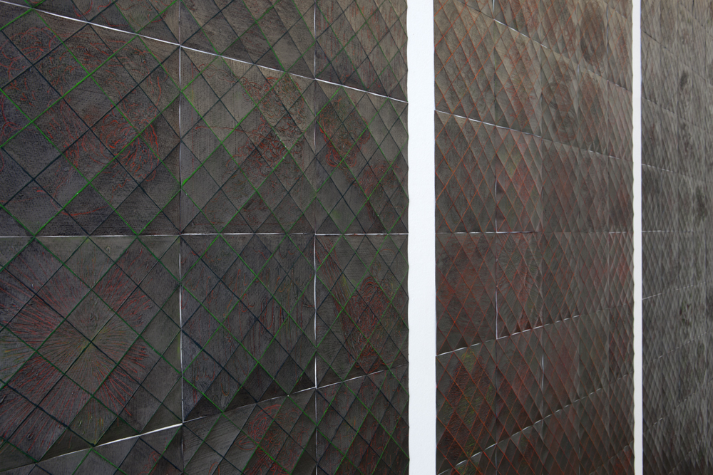 Detail view from the side showing the depth of each single sheet (150 all together for this triptych)