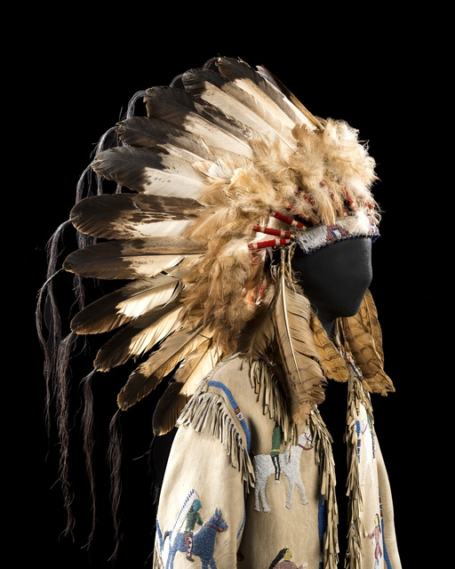 Spotted Weasel, 'Native American costume of Spotted Weasel', End of 19th century, Musée franco-américain du château de Blérancourt