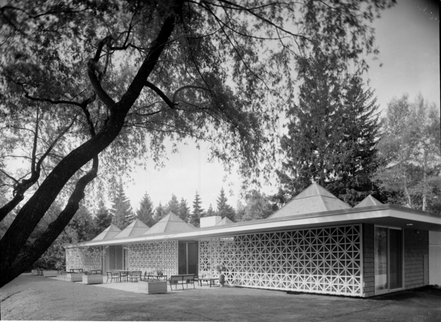 Pedro E. Guerrero, 'Celanese House, New Canaan, CT (Edward Durell Stone, Architect)', 1959, Edward Cella Art and Architecture