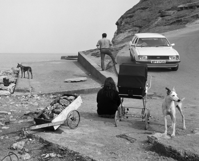 , 'Crabs and people, Skinningrove, N Yorkshire,' 1982, Yossi Milo Gallery