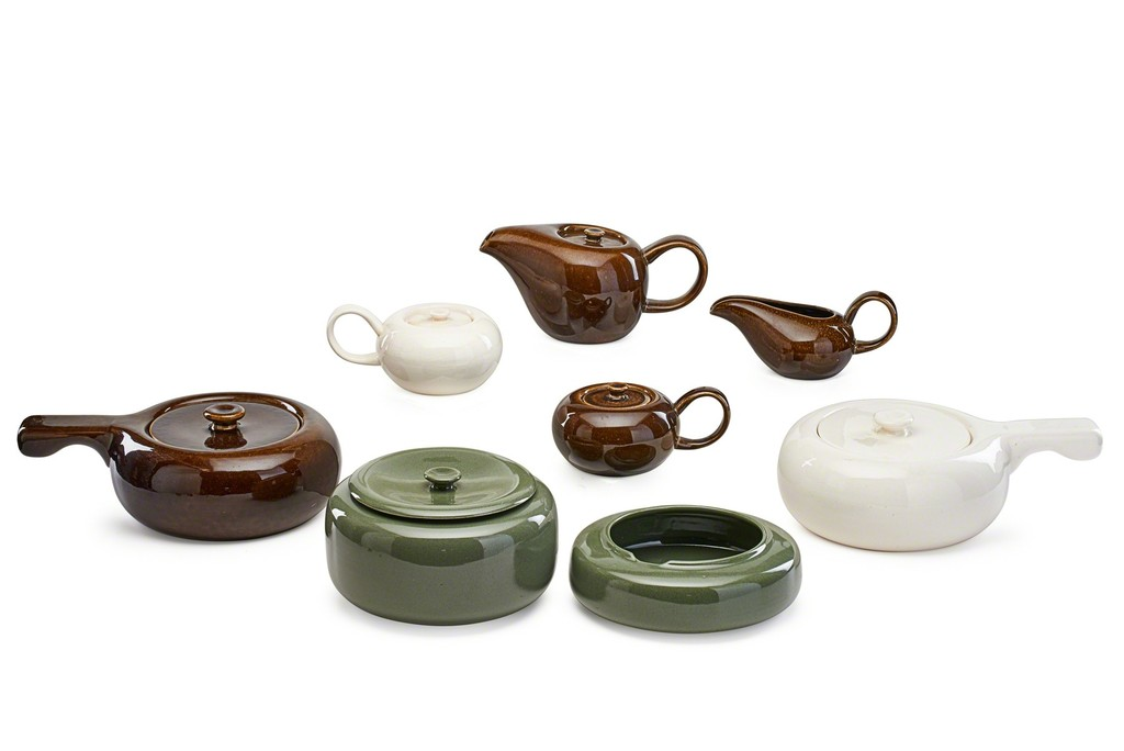 Russel Wright \u0027Sixteen pieces of American Modern dinnerware\u0027 1930s Rago  sc 1 st  Artsy & Russel Wright Steubenville Pottery | Sixteen pieces of American ...