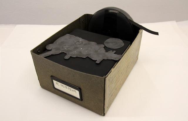 NİL YALTER, 'Vidéo boîte', 2014, Sculpture, Video tape, cast lead, gold color and pencil on cardboard box, Galerie Hubert Winter