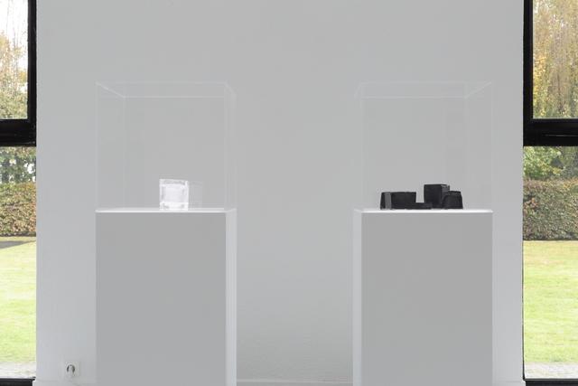 , 'Moule en verre noir et blanc,' 2014, Museum Dhondt-Dhaenens