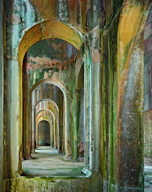 Robert polidori devotion abandoned studio trisorio artsy - Villa mirabilis piscina ...