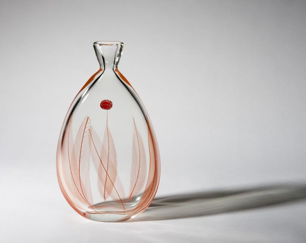 """""""A piume"""" bottle vase, circa 1956. Archimede SEGUSO , Murano,  Italy. H. 27 cm. Marc Heiremans @ Design Miami/ Basel 2016"""