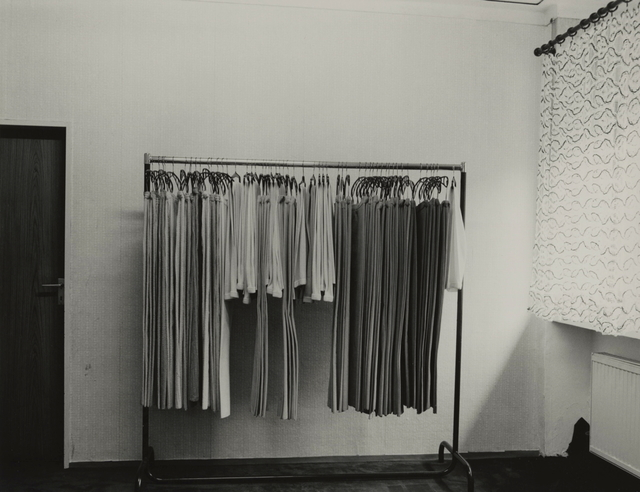 , 'Sortiment (Reinigung) / Sortation (Dry Cleaner),' 1981, Kicken Berlin