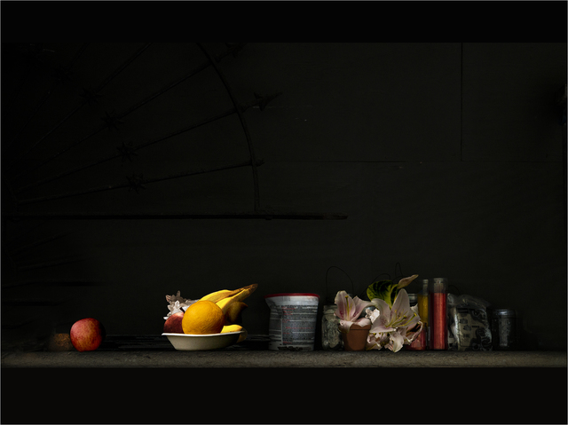 ", 'Da série ""Natureza Morta"" [From the series ""Still Life""],' 2016, Casa Triângulo"