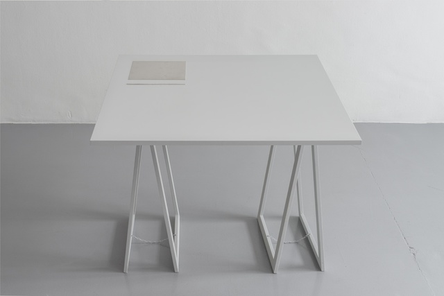 Stanley Brouwn, '1 x 1 m, 1m; 1 x 1 ell, 1 ell; 1 x 1 step, 1 step; 1 x 1 foot, 1 foot', 1991, Sculpture, Two aluminium elements presented on a wooden table, Richard Saltoun
