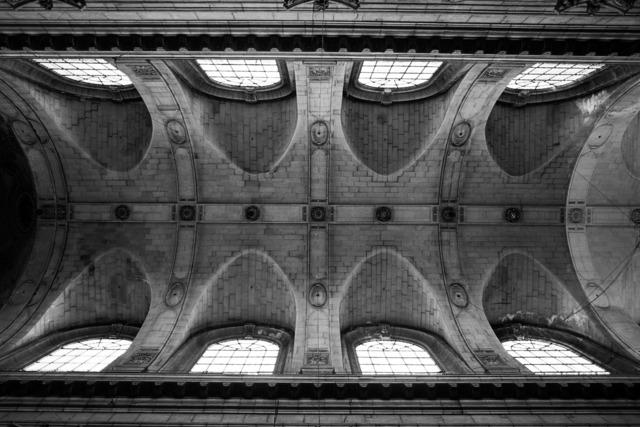 , 'Teto da igreja de Saint Sulpice em Paris,' 2011, Fotospot