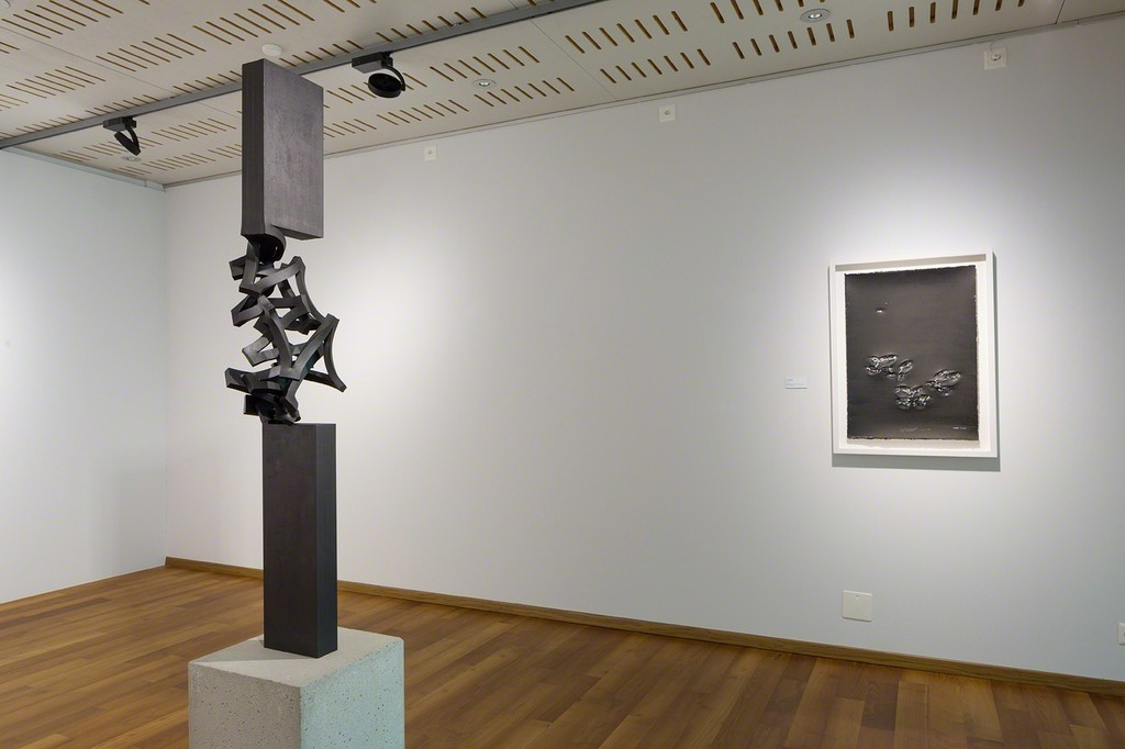 Thomas Röthel's steel sculptures and works on paper stand in constant dialogue about materiality (photo: Markus Beyeler)