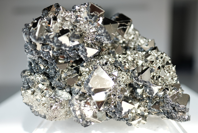 , 'Pyrite octohedrons ,' , Cinnabar